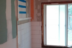 before-picture-bathroom-renovations-hamilton-01